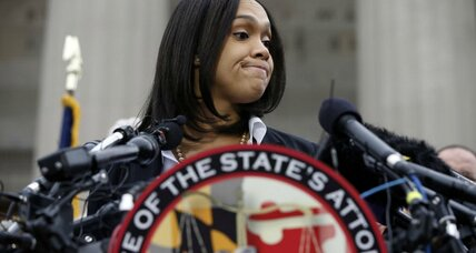 Cops in Freddie Gray's death: Could politics tangle prosecutor's case? (+video)
