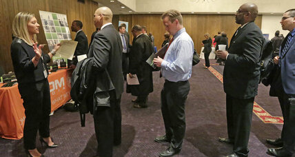 Jobless claims fall 1K to new 15-year low