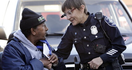 Study shows that with police body cameras 'everyone behaves better' (+video)