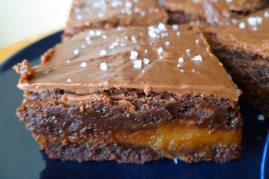 Caramel-stuffed sea salt brownies