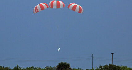 SpaceX successfully ejects crew capsule: Did space flight just get safer? (+video)