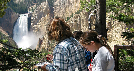 Picture-taking tourist at Yellowstone stumbles into canyon (+video)