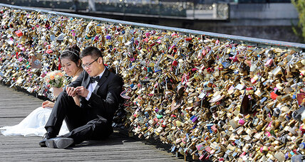 Why Paris is removing the 'love locks' from Pont des Arts bridge