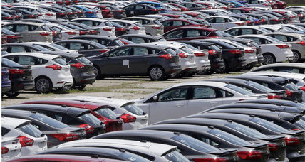 US auto sales strong, but they're costing buyers more in loans