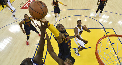 NBA Finals 2015: LeBron James leads Cavaliers past Warriors in Game 2 (+video)