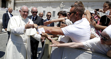 Pope Francis puts pressure on bishops to prevent child abuse (+video)