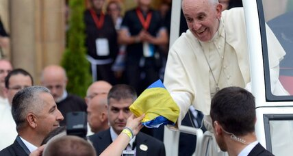 New Popemobile: Francis nixes Mercedes for a humble Hyundai Santa Fe