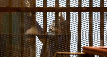 Egyptian court sentences Morsi, Muslim Brotherhood leaders to death