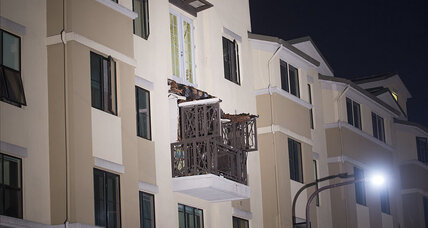 Berkeley balcony collapse: 13 students fall from the top floor apartment (+video)