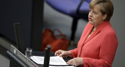 Angela Merkel presses Greece to reach a deal with creditors