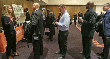 US jobless claims fall unexpectedly to 267,000