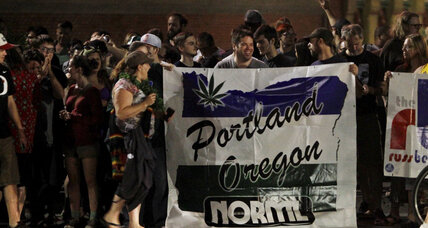 High society: Oregonians toke up legally for first time (+video)