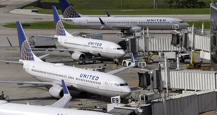 Delays snarl travel after United problems: What to do if your flight is delayed (+video)