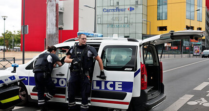 Paris mall siege: What should you do in a hostage situation?