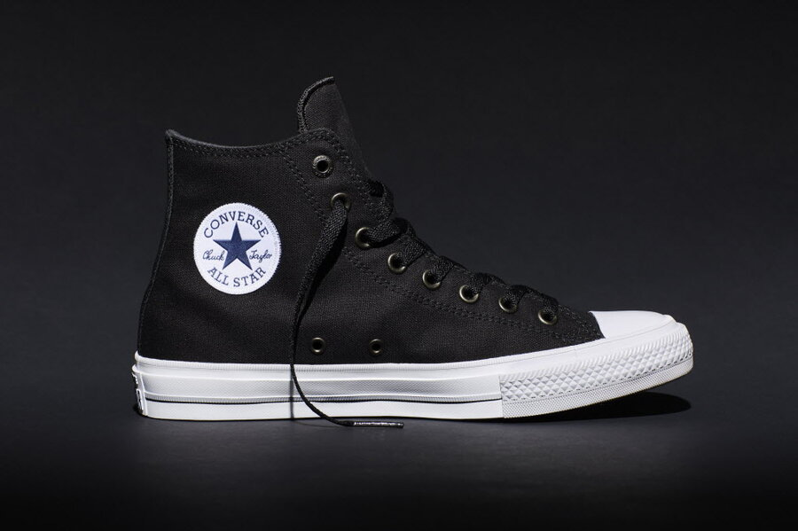 Imperio Sentirse mal Abrumar  After 98 years, Converse adds comfort to Chuck Taylors - CSMonitor.com