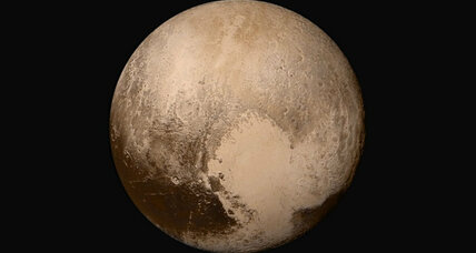 Latest on Pluto: flowing nitrogen ice, lofty haze, 'a dream come true' (+video)
