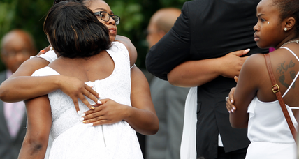 Hundreds mourn Sandra Bland's death at her funeral in Chicago suburb