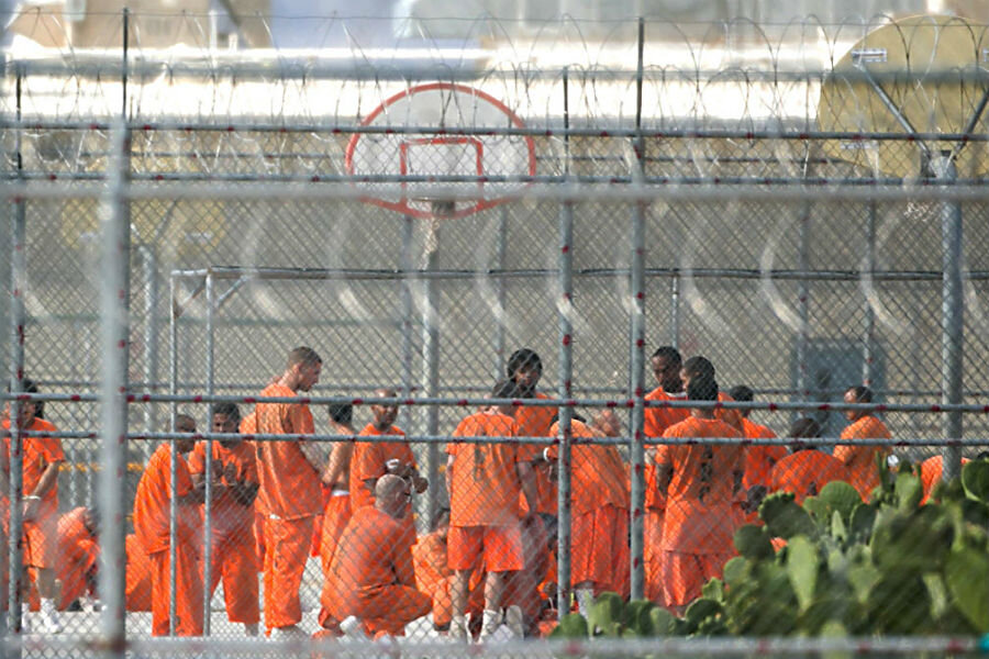 the race of an american prison Race and ethnicity  the prison population grew by 700 percent from 1970 to 2005, a rate that is outpacing crime and population rates  1 in every 15 african american men and 1 in every 36 .