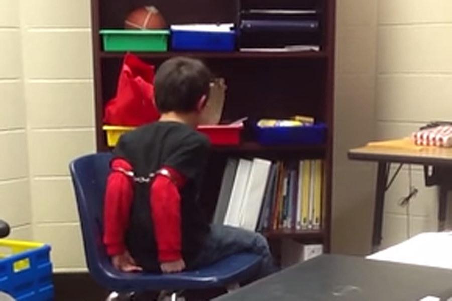 Handcuffing Third Grader Interactions >> Police Officer Handcuffs Children With Learning Disabilities Who Is