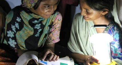 In Pakistan, solar lamps turn women into entrepreneurs