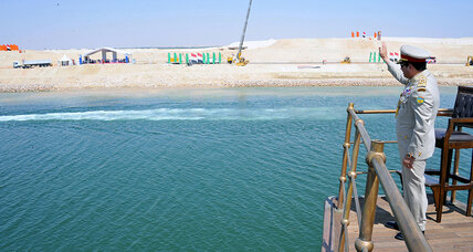 Amid pomp and fanfare, Egypt unveils Suez Canal extension