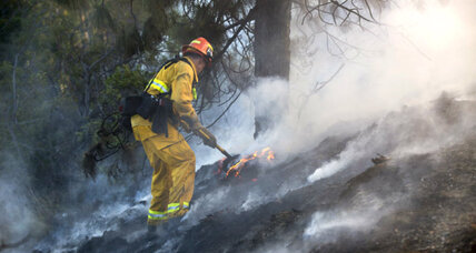 Second firefighter dies battling California blazes. How risky is wildfire duty? (+video)