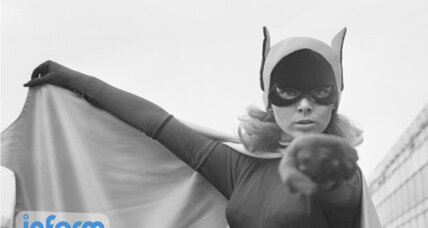 Yvonne Craig, original Batgirl, remembered as 'role model'
