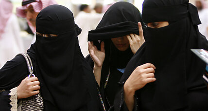 Saudi women register to vote for the first time ever