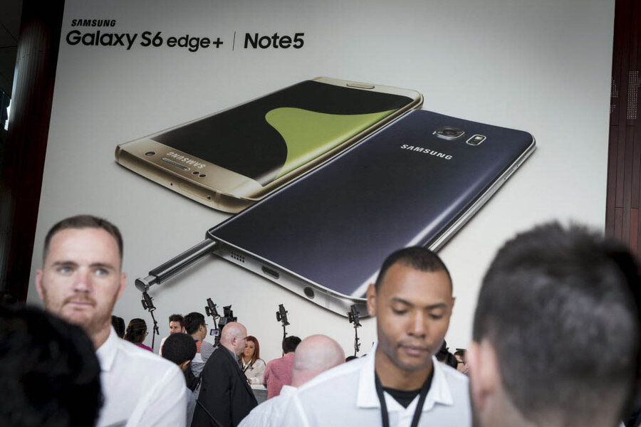 In Bid To Woo Apple Users Samsung Offers Up 1 Smartphones Csmonitor Com