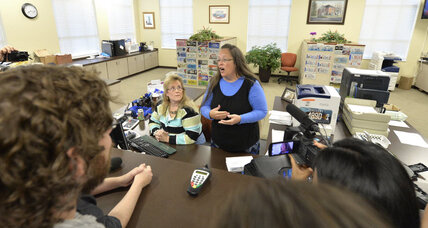 Kim Davis ordered to jail despite 11th hour request for stay (+video)