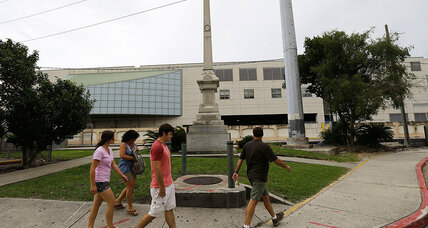 New Orleans council votes to remove monument to white supremacists