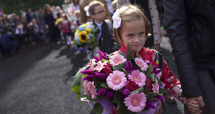 No flowers for teacher on the first day? Russians feel the pinch.
