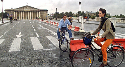 Paris joins car-free movement