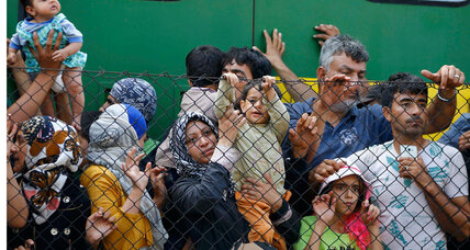 Chaos in Hungary as refugees are determined to register elsewhere