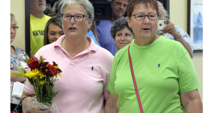 Jailed Ky. clerk Kim Davis says marriage licenses without her signature aren't valid. True?
