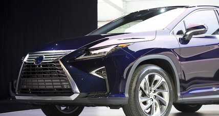 2016 Lexus RX 350 and RX 450h combine comfort, edge, and efficiency