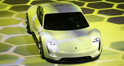 2018 Porsche Mission E: 600-HP electric sport sedan concept targets Tesla