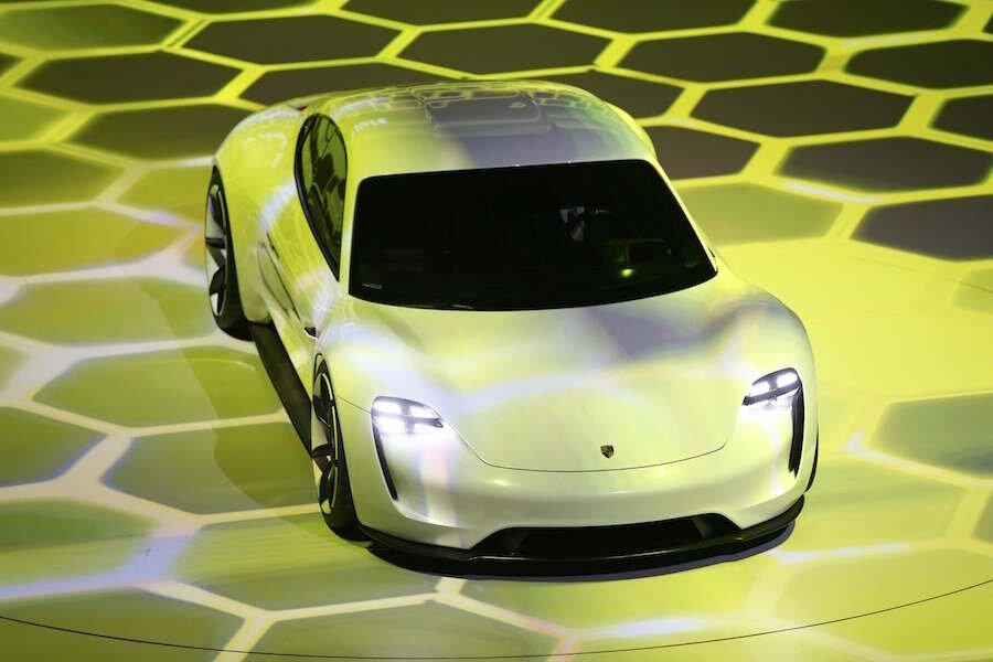 2018 Porsche Mission E 600 Hp Electric Sport Sedan Concept Targets