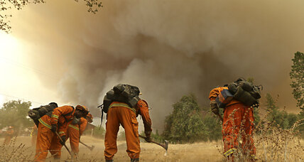 Raging wildfires drive 23,000 Californians from their homes (+video)