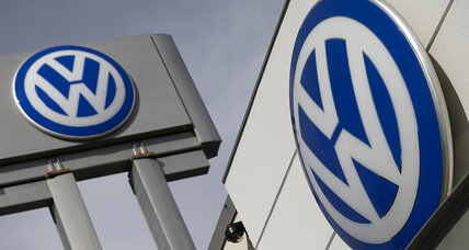 Volkswagen rocked by US emissions scandal as stock price falls
