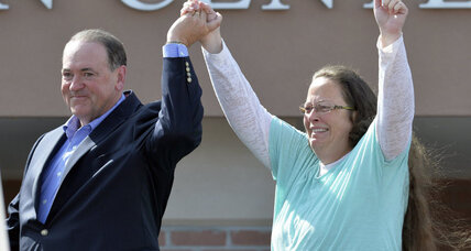 Kim Davis saga continues: Will she be censured for defying court order – again? (+video)