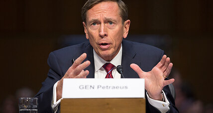 Petraeus apologizies for sharing classified information with mistress
