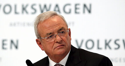 Volkswagen CEO resigns, takes responsibility for diesel emissions scandal