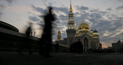 Putin says Moscow's new mosque is the largest in Europe