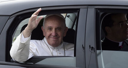 Pope Francis arrives in Philadelphia for World Meeting of Families