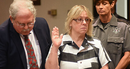 Joyce Mitchell faces up to 7 years for helping N.Y. prisoners escape (+video)