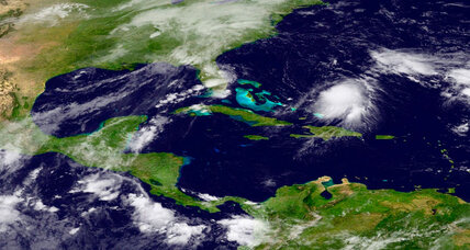 Amid confusion over path, hurricane Joaquin gathers steam