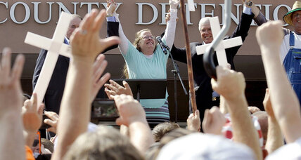 Was the pope's meeting with Kim Davis just a coincidence?