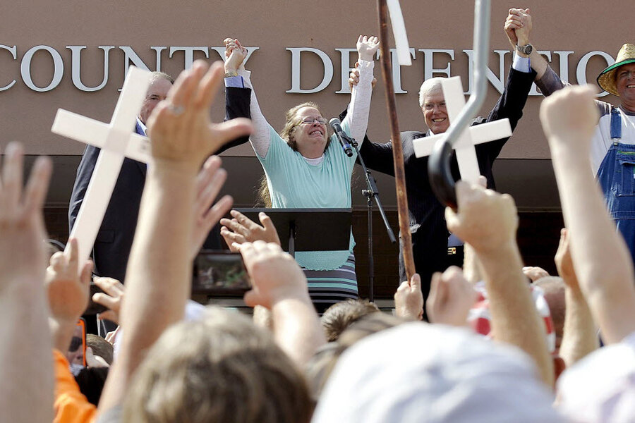 Was the pope's meeting with Kim Davis just a coincidence