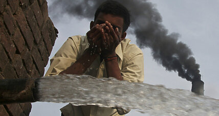 India announces plan to slash carbon emissions